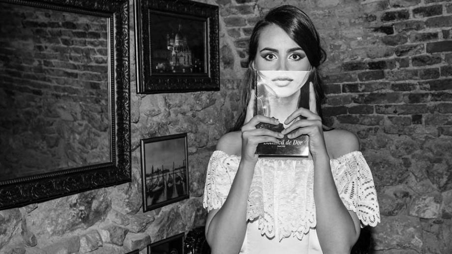 La Chișinău va avea loc un recital de poezie erotică și romantică. Patru fete vor recita versuri