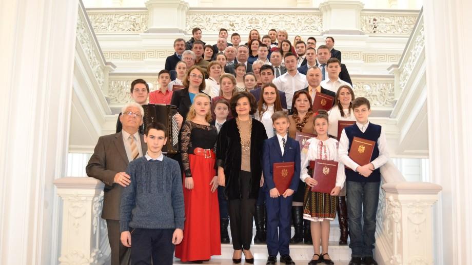 (foto) Cei mai buni elevi ai școlilor de artă din țară au fost premiați de către Ministerul Culturii