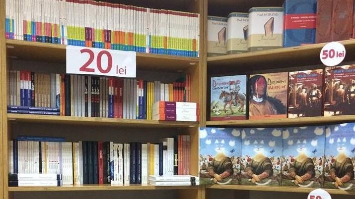 (foto) Profită de reduceri! O librărie din Chișinău vinde cărți la prețuri promoționale