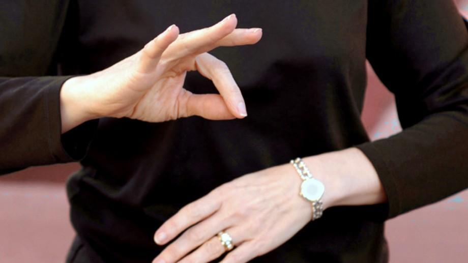 Recomandare #diez: Unde la Chișinău puteți învăța gratuit limbajul mimico-gestual
