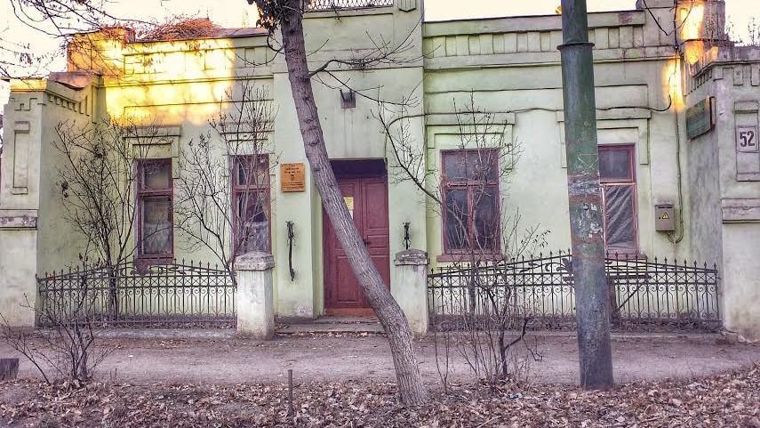 (foto) Descoperiri urbane: Casa mică cu caracter mare de pe str. Kogălniceanu #52