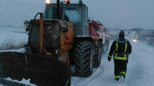 Moldova, sub asaltul iernii. Peste 150 de autovehicule au fost deblocate de salvatori în ultimele 24 de ore