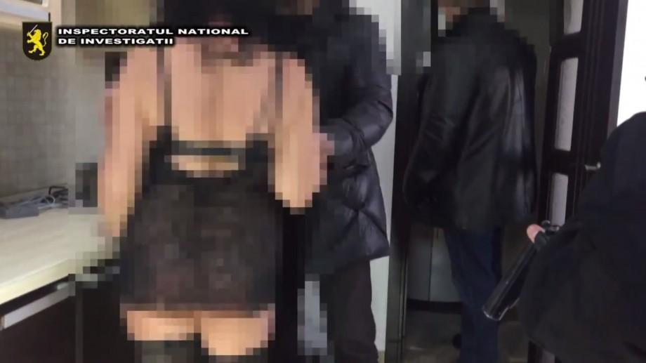 (video) 45 de tinere au fost recrutate pe net pentru prestarea show-urilor sexuale în regim online