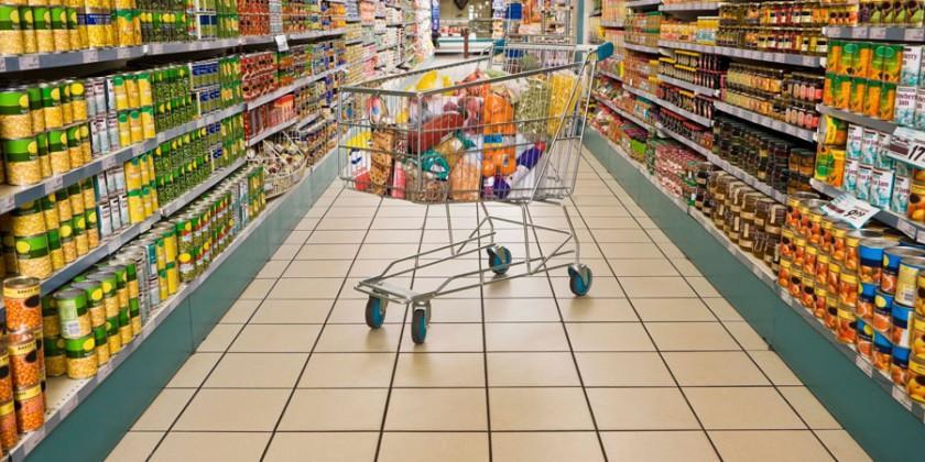 Alimente expirate sau fără termen de valabilitate. În supermarketurile din Chișinău au fost depistate încălcări grave