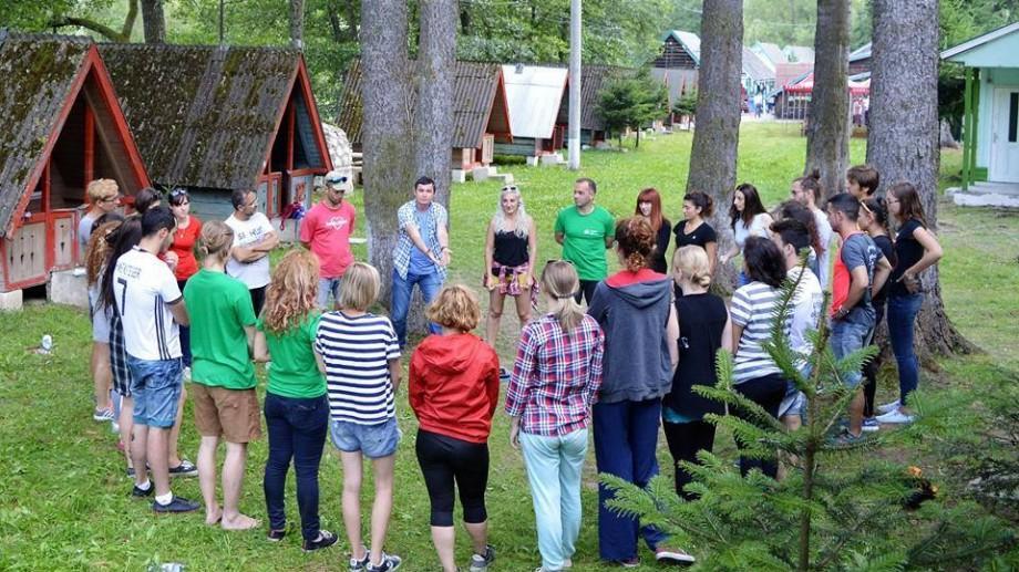 Clubul Tinerilor invită toți doritorii la o serie de sesiuni de instruire și activități practice