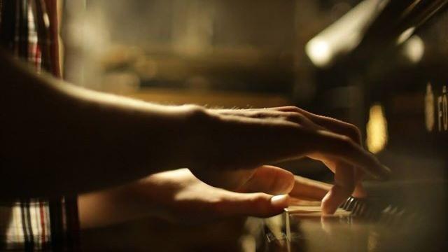 De Dragobete, Moldo Crescendo organizează un recital de pian pe întuneric