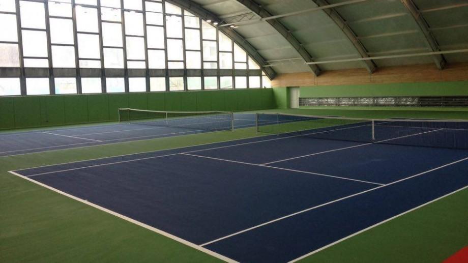 Acum poți juca tenis de câmp în centrul Chișinăului! Școala Sportivă și-a modernizat terenurile
