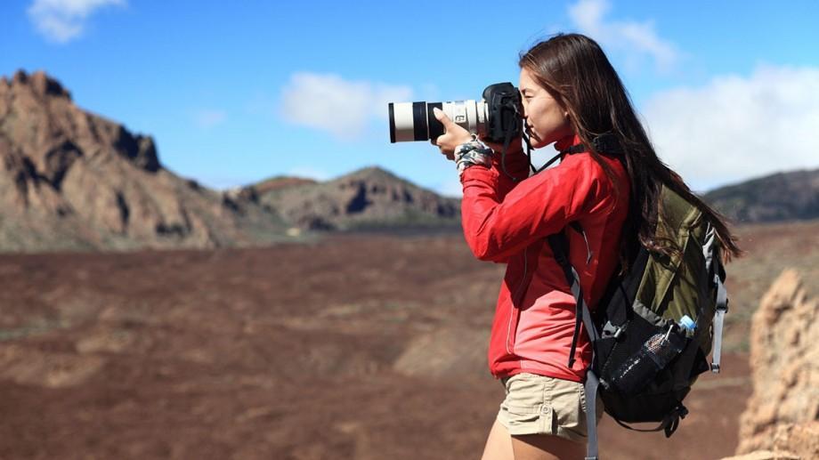 """Studenții pasionați de fotografie pot participa la un concurs cu tema """"Locuri și Spații"""""""