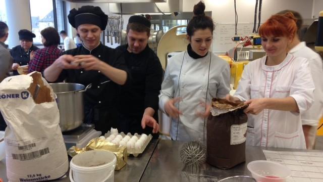 (foto) Bucătari și cofetari de pe ambele maluri ale Nistrului au însușit secretele bucătărie germane