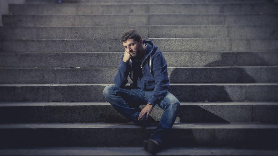 Ajută la depășirea situațiilor de criză! Devino consilier la Linia Verde pentru prevenirea suicidului