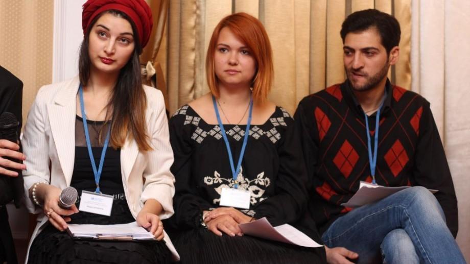(foto, video) Tinerii minorităților naționale, etnice, religioase și lingvistice își cer dreptul la educație și participare