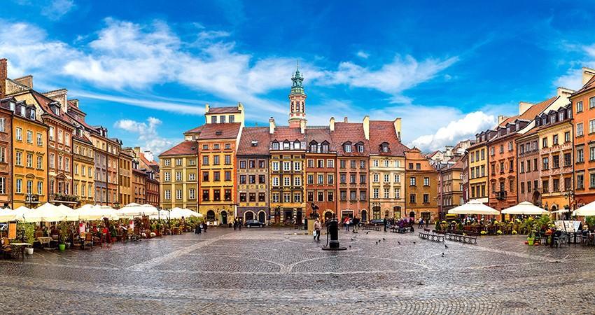 Tinerii din Moldova pot participa la o Școală de vară care avea loc în Varșovia