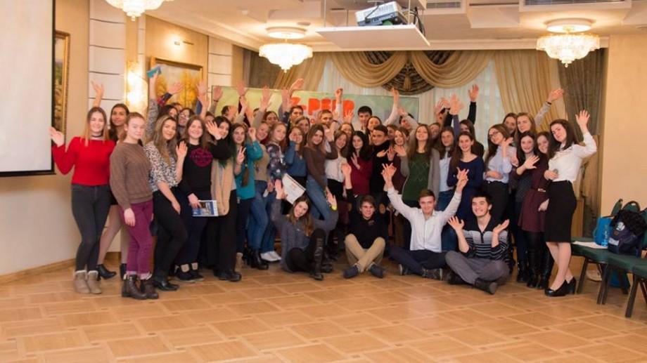 Y-PEER Moldova invită tinerii să aplice la Școala Trainerilor, ediția 2017