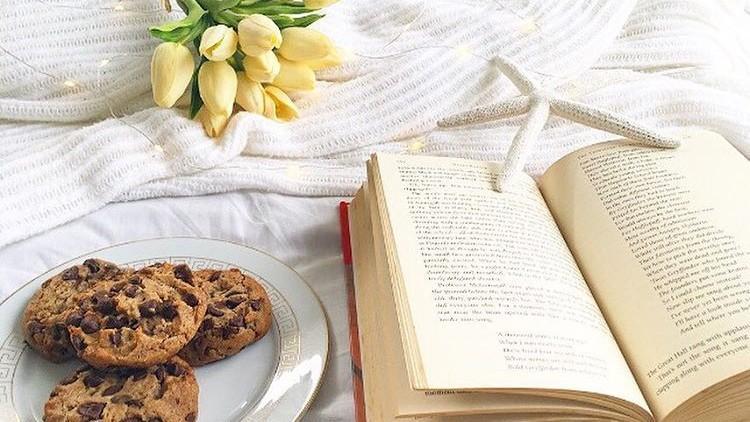 Un tânăr a devenit autor de bestseller în 5 minute fără ca măcar să scrie vreo carte