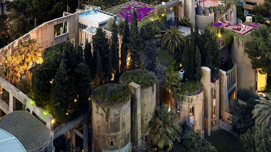 (foto) Transformare spectaculoasă. O fostă fabrică de ciment este acum o casă de locuit