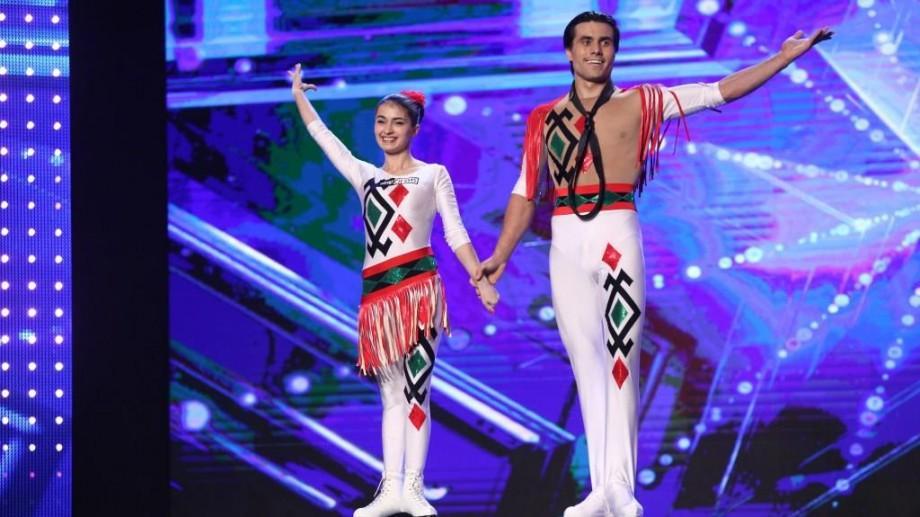 (video) Românii au Talent: Doi tineri din Moldova au lăsat mască jurații cu un dans de acrobație pe role