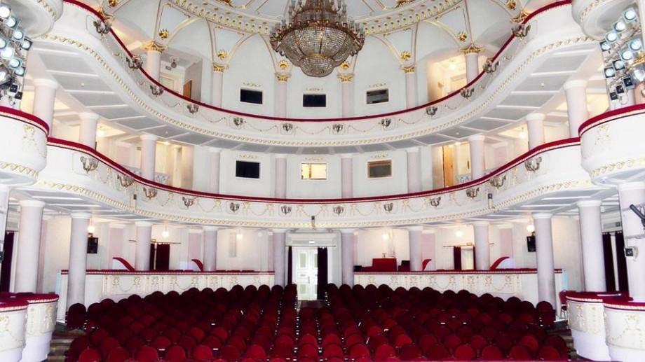 """Teatrul Național """"Mihai Eminescu"""" te invită la spectacol! Vezi repertoriul din luna dragostei"""