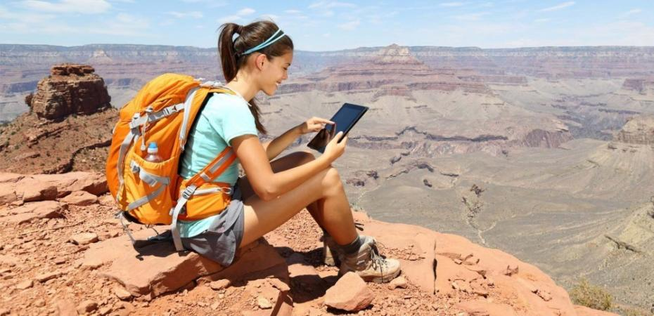 Smartphone, tabletă sau laptop? Care este mai bun pentru călătorie