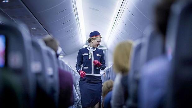 Cum a reuşit o stewardesă să salveze o tânără, victimă a traficului de persoane