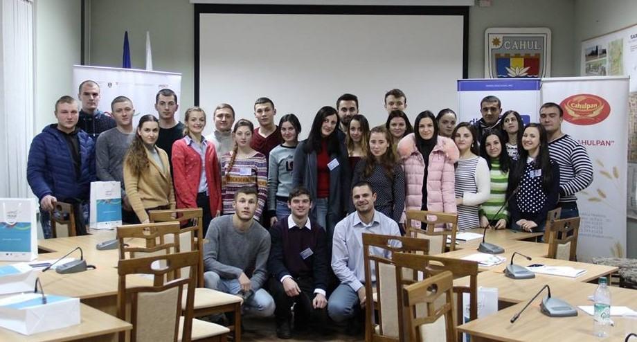 NEXUS Chișinău invită tinerii la un seminar gratuit la care vor afla cum să obțină o bursă în străinătate