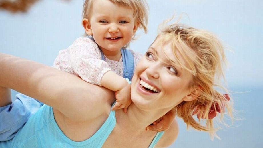 Mamele fără loc de muncă nu pot fi private de indemnizaţia de maternitate