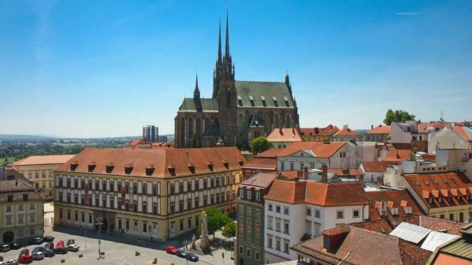 Oportunitate greu de refuzat! Studenții pot câștiga o bursă de studiu la o universitate din Cehia