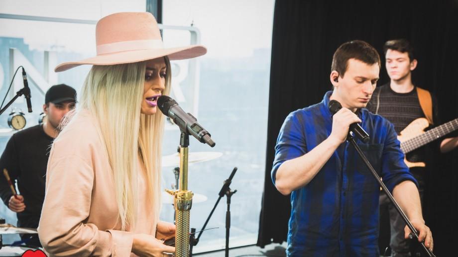 """(video) Ascultă cum The Motans și Delia cântă împreună LIVE piesa """"Weekend"""""""