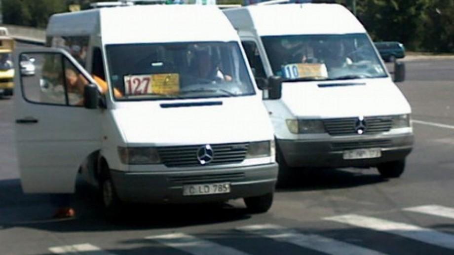 Sancţiuni pentru transportatorii de călători fără plăcuţe de înmatriculare galbene