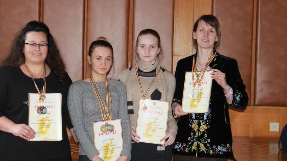 (foto) S-a încheiat Campionatul Național feminin la joc de dame. Cine sunt campioanele anului 2017