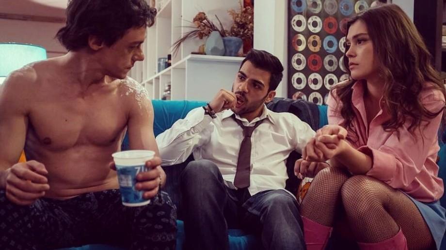 Tinerii pasionați de film care se află la București pot participa la cursul de scenaristică oferit de realizatorii #Selfie69