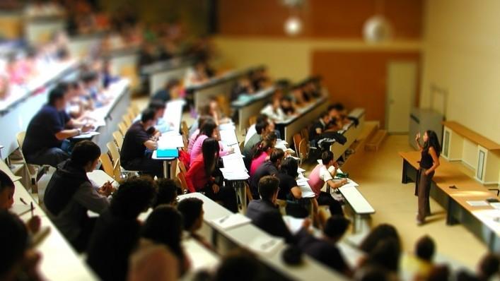 Cei care își dorec studii în Administrare şi Management pot face un masterat la  Şcoala Superioară Francofonă