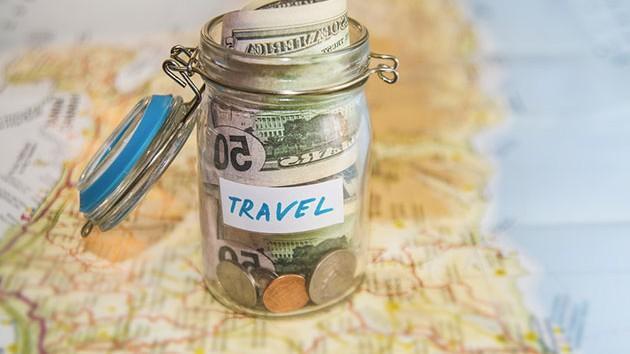 Ce puteţi cumpăra cu 100 de lire în principalele oraşe turistice ale lumii. Care e cea mai ieftină destinație
