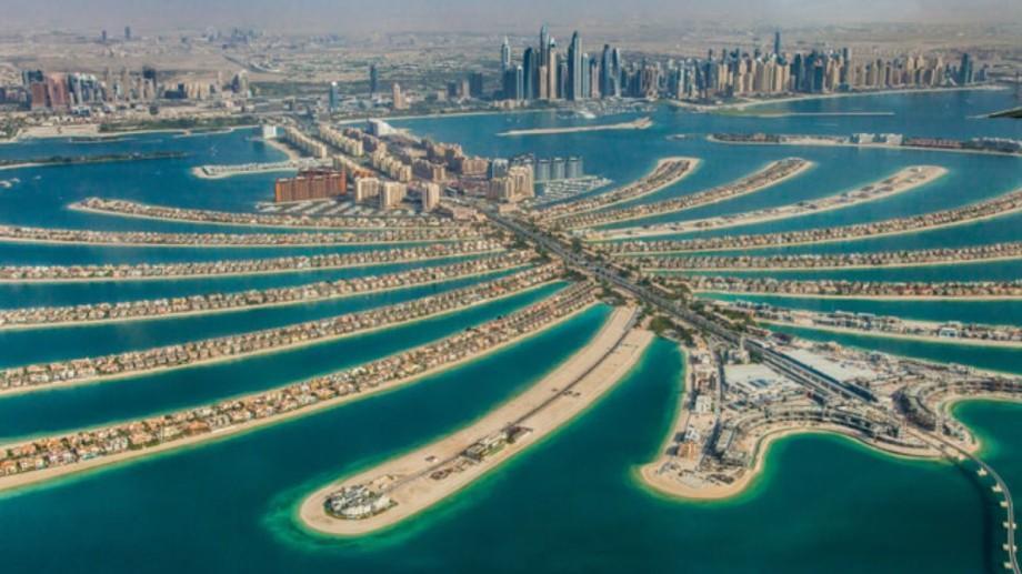 Un pensionar a traficat două tinere în Dubai. Le-a promis un job în calitate de dame de companie