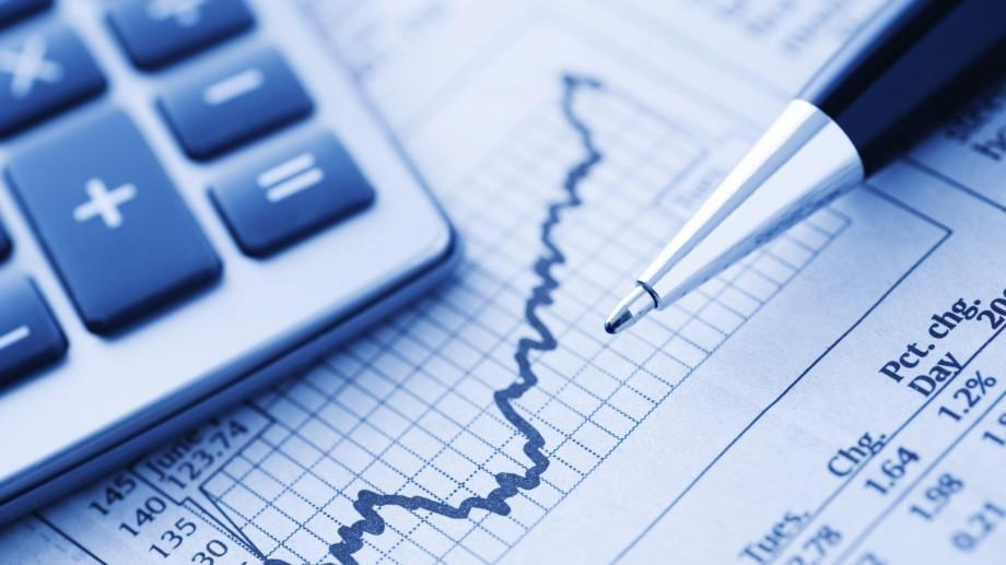 Dacă ești interesat de economie și finanțe, participă la DNB Trade Investment Game și câștigă 1.800 de euro