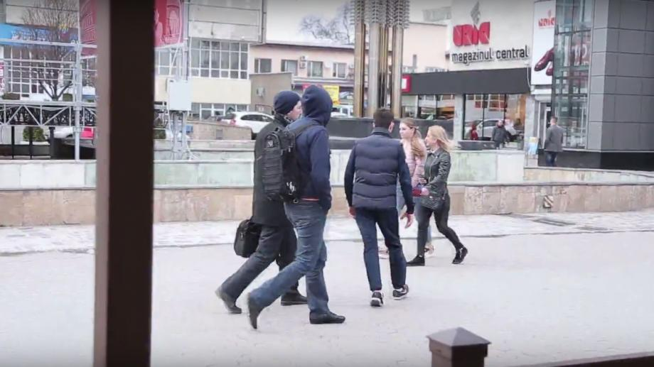 (video) Experiment: Cum reacționează chișinăuienii atunci când sunt martorii unui furt