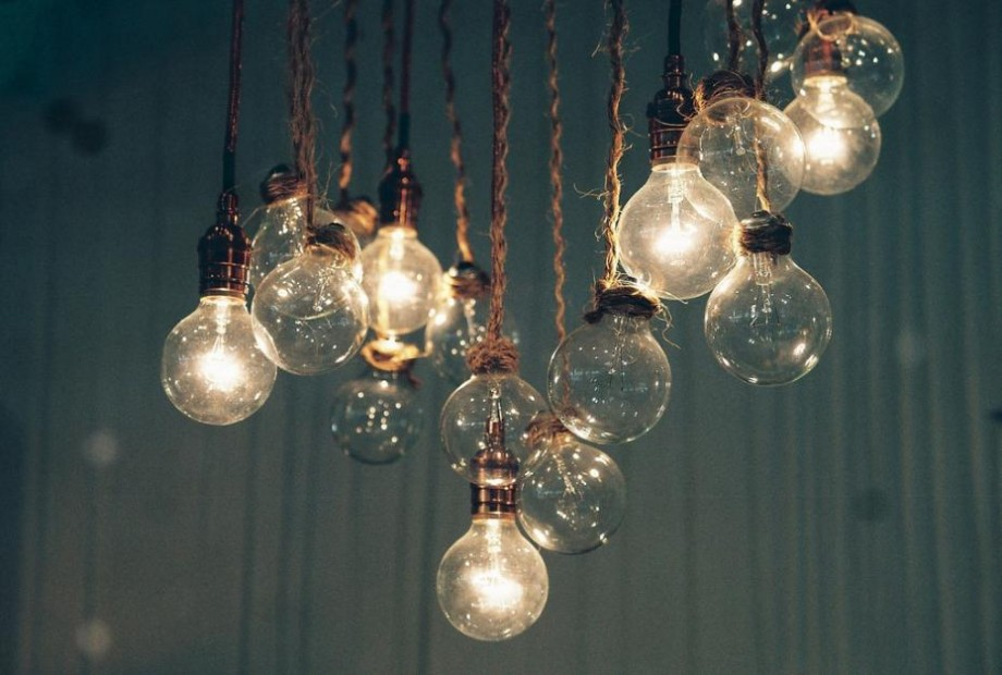 Fără lumină! Zeci de localități din toată țara vor rămâne astăzi fără curent electric