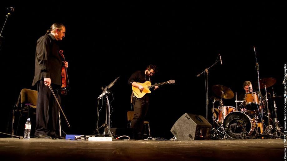 """(foto) Folk Reverse Jazz Trio, proiectul care îmbină jazzul cu folclorul, au evoluat la Festivalul """"Mărțișor"""""""