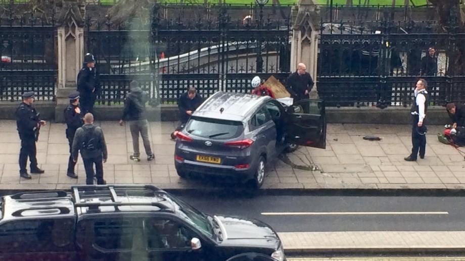 (foto, live video) Împușcături în apropierea Parlamentului din Londra. Cel puțin 12 persoane ar fi fost rănite