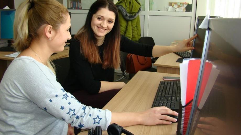 (foto) Secretul unei cariere de succes se află la Centrul Syslab din Comrat. Experiențele pozitive a doi tineri