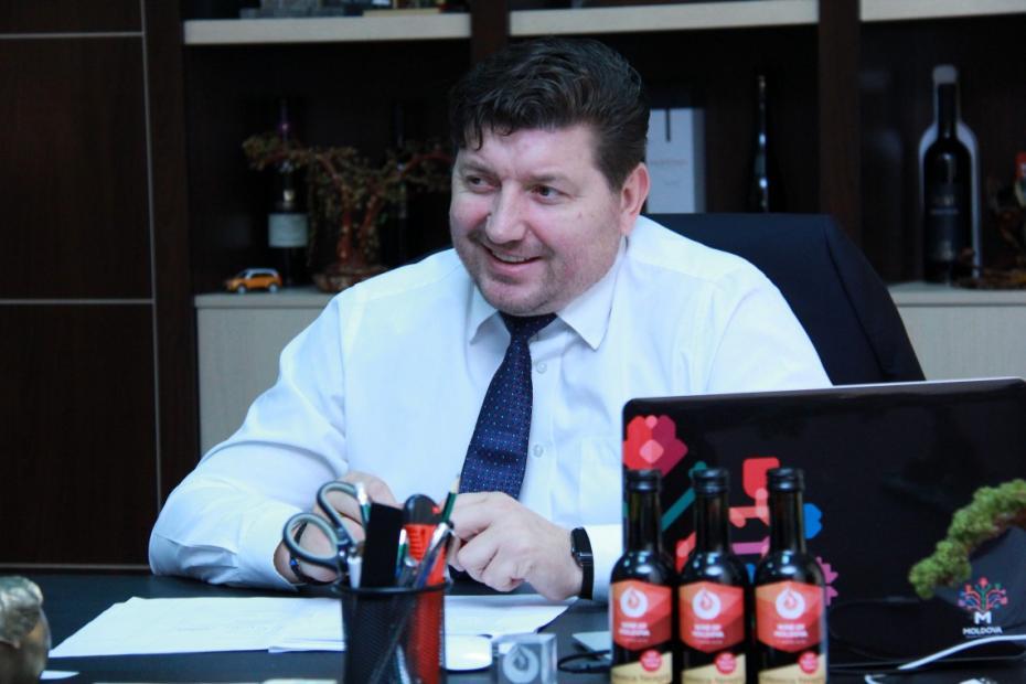 Ministerul Agriculturii, Eduard Grama, va fi pus astăzi sub învinuire pentru corupere pasiva