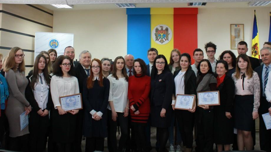 Comisia Electorală Centrală a desemnat elevii câștigătorii ai concursurilor de eseuri