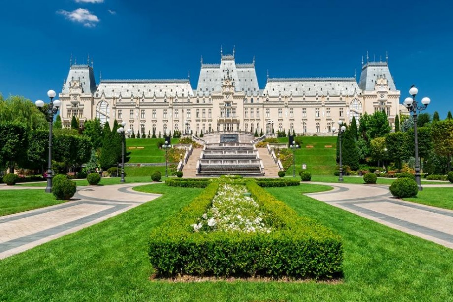 Câștigă o bursă la un curs de vară în România. Vei afla mai multe despre cultura, limba și civilizația acestei țări