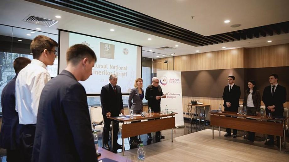 (video) Au fost anunțați câștigătorii celei de-a doua ediții a Concursului Național al Tinerilor Juriști