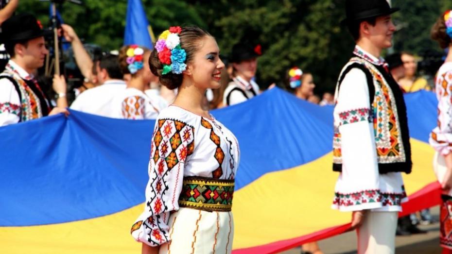 """Realizează un film cu tema """"Mândru că sunt din Moldova"""" și mergi gratuit la o tabără de vară"""