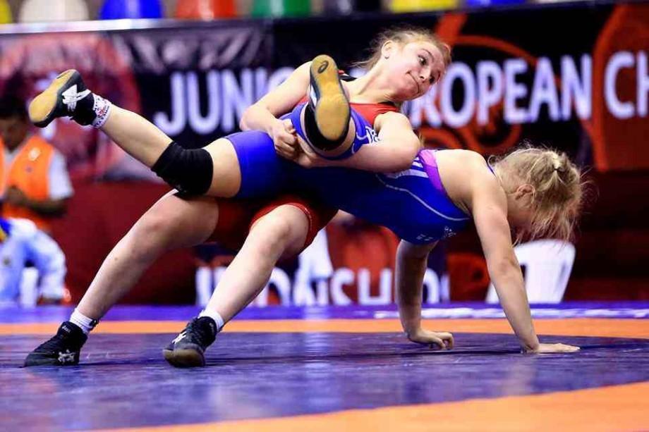 Campionatul național la lupte feminine. Cine a câștigat titlul la cele opt categorii de greutate
