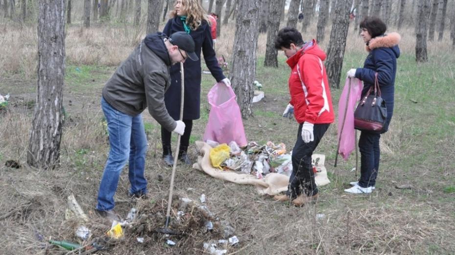 """La Chişinău începe curățenia de primăvară. Chirtoacă promite să facă """"lună"""" până la Paști"""