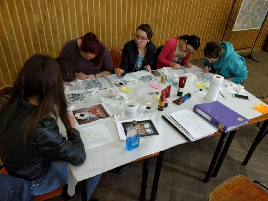 """Tinerii din școlile și liceele din Moldova pot participa la concursul de desen """"Nu-mi fura copilăria"""""""