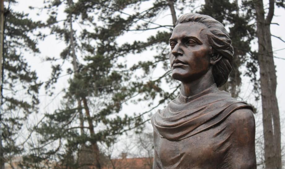 De Ziua Unirii Basarabiei cu România, în localitatea Ulmu va fi inaugurat bustul poetului Mihai Eminescu