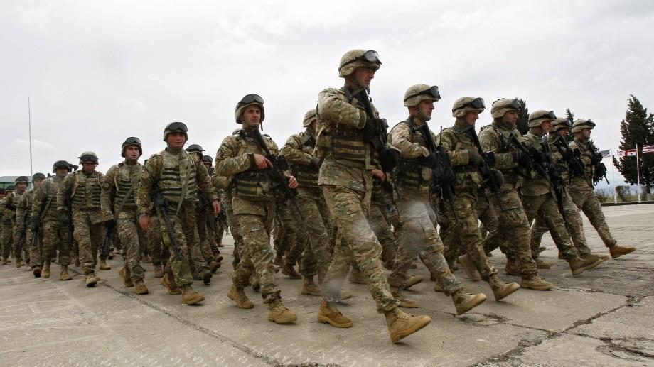 Tinerii care visează să ajungă militari au mai multe oportunități în Moldova și peste hotarele ei