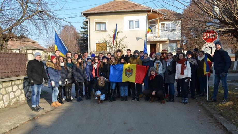 Studenții moldoveni pot beneficia de toate tipurile de burse de studii acordate de România